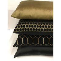 Cushion combination Black & Gold: Dafne, Mitchel & Petter