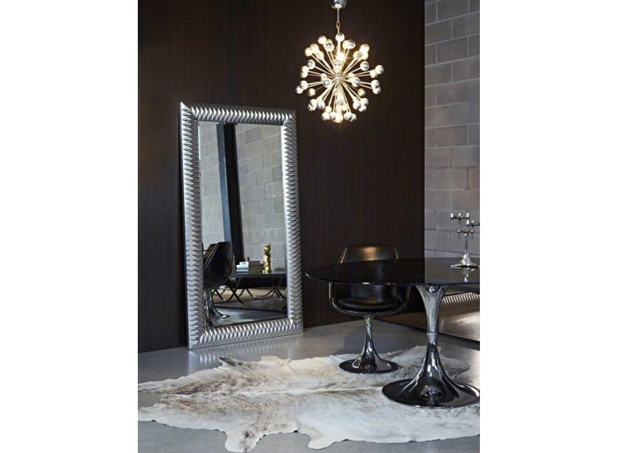 'Nick' grote spiegel, groot van formaat, elegant en stijlvol