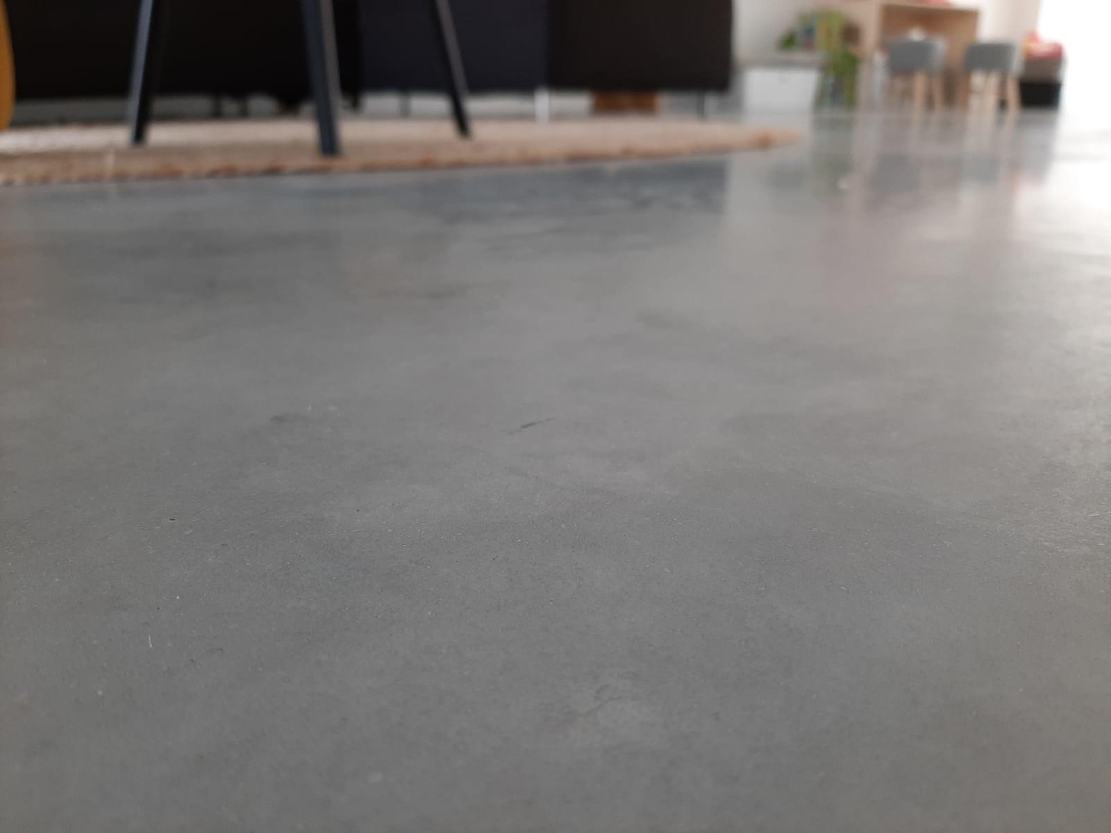 Zelf betonvloer impregneren