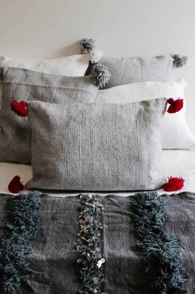 Riadlifestyle Pom Pom kussen grijs-roze