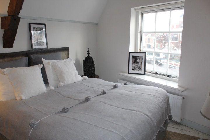 Riadlifestyle Pom Pom blanket grey