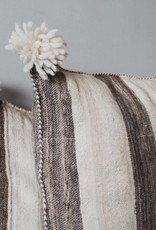 Riadlifestyle Pom Pom cushion wool