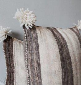Riadlifestyle Pom Pom cushion wol