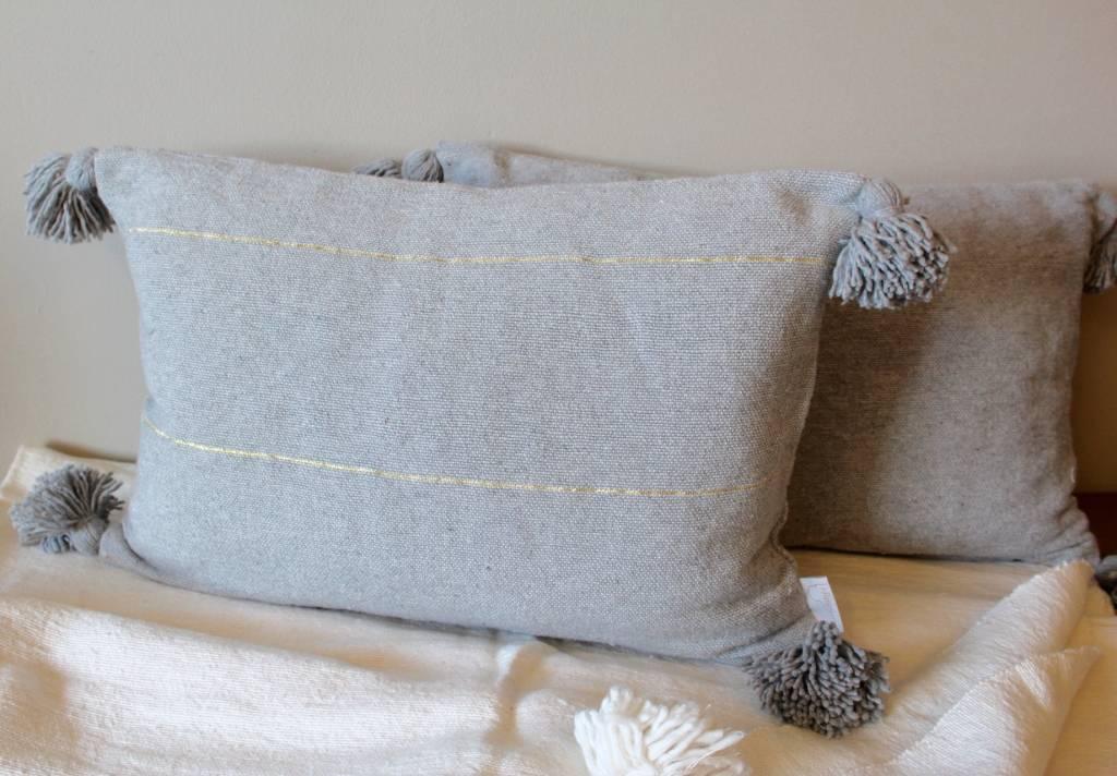 Riadlifestyle Pom Pom cushion grey - Copy