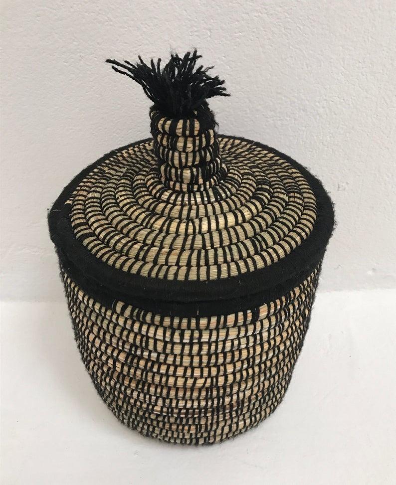 Riadlifestyle Moroccan basket black S pom pom
