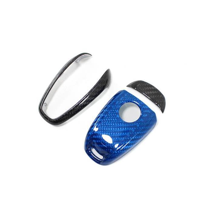 Giulia key cover zwart/blauw in carbon