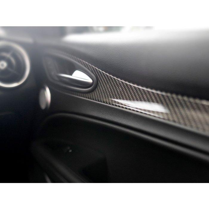 Alfa Romeo Stelvio internal door handles frame trim