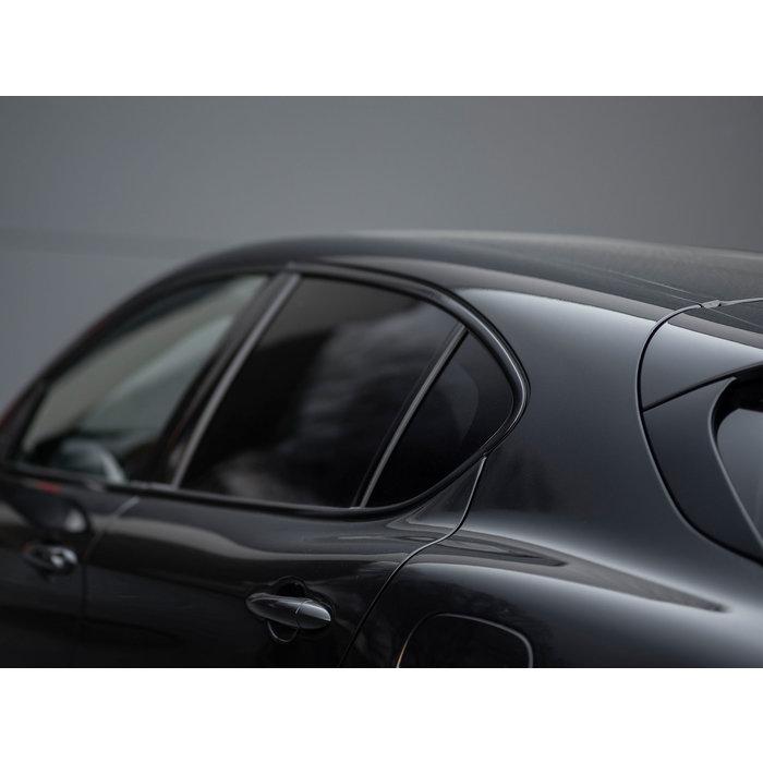 Hoogglans zwarte raamlijsten