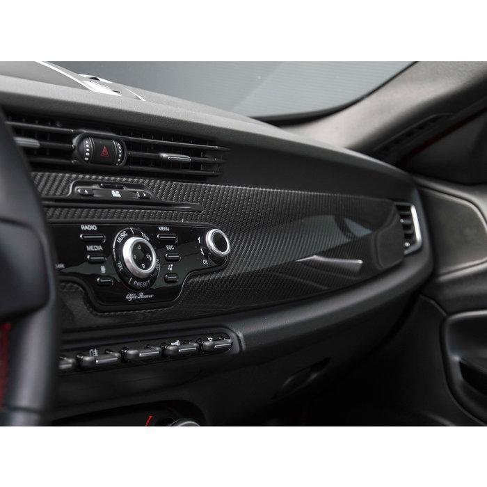 Alfa Romeo Giulietta Carbon Dashboard