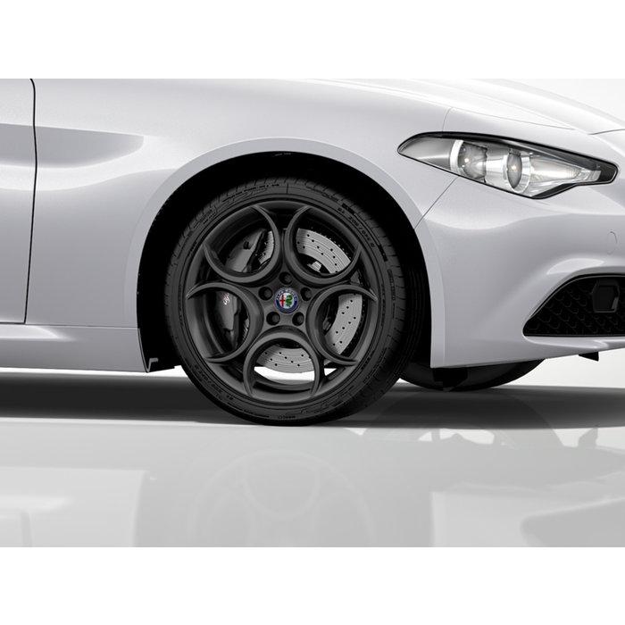 WINTER ACTIE  |   Giulia 18 inch wielen + winterbanden.