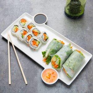 Sushi bord 33x23x1,3 cm met 2 sauspotjes