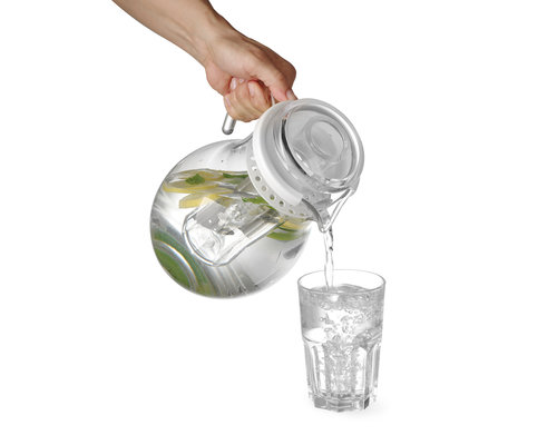 M & T  Jug 3 liter SAN plastic  with ice tube for cooling