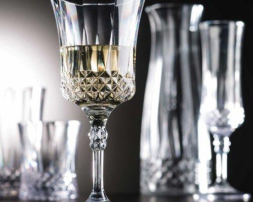 UNBREAKABLE GLASS