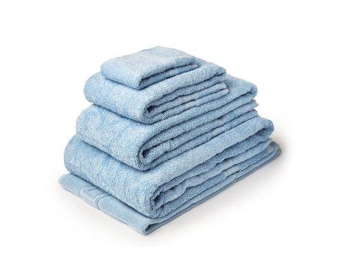 M & T  Bath towel 50 x 90 cm blue