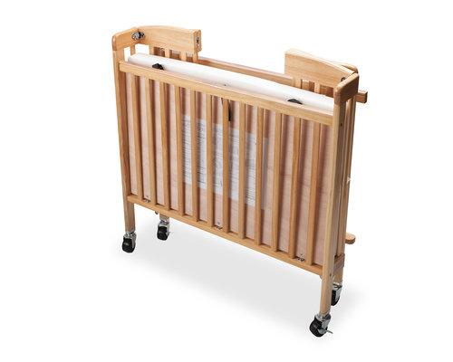 M & T  Baby crib foldable naturel wood