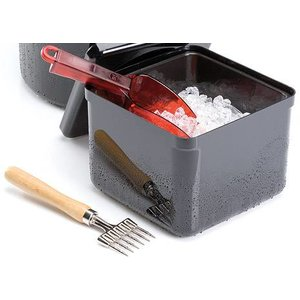 M&T Black Ice cube container with lid