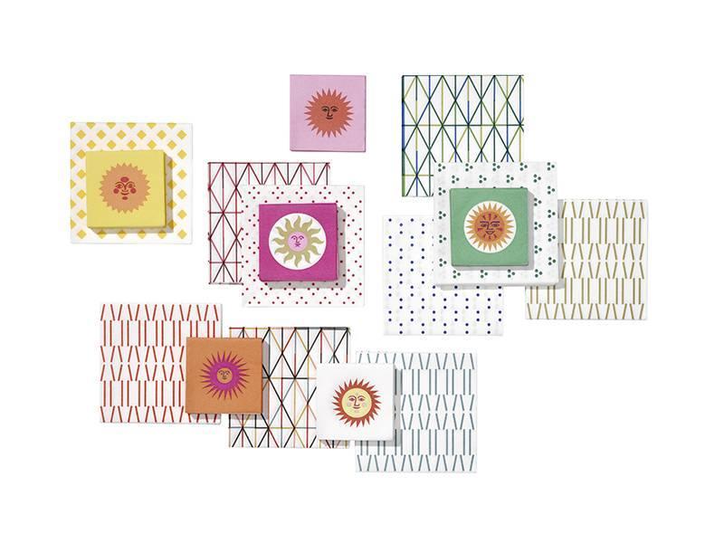 Vitra Paper Napkin Quadrispot Dark Pink