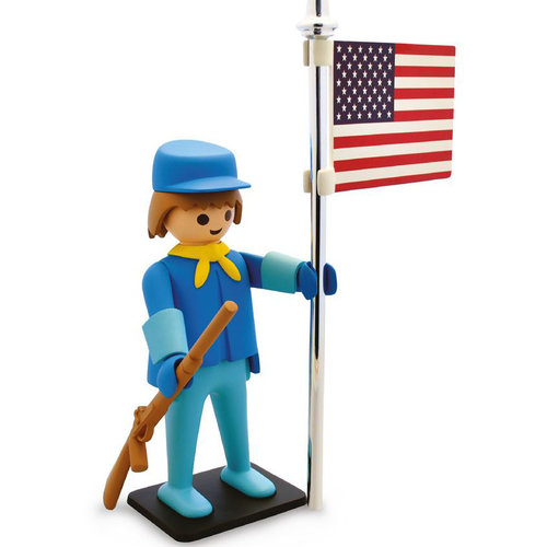 Plastoy American Soldier Statue by Playmobil