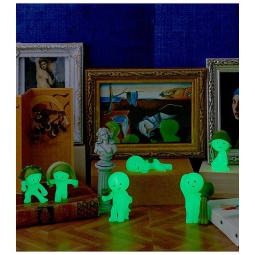 Dreams Inc. Smiski Museum Series (GID)