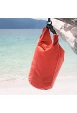 Trockentasche 40 Liter schützt Ihre Wertgegenstände gegen Wasser rot