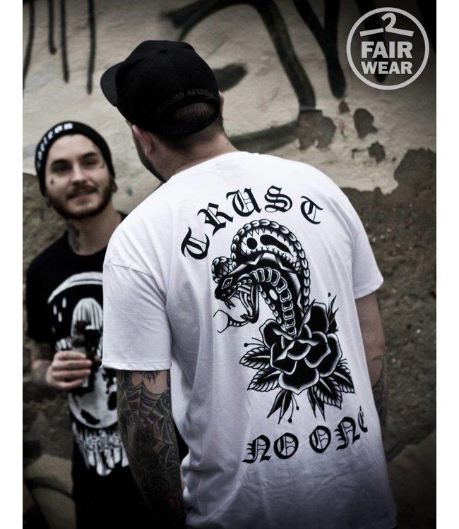 Trust no one - Unisex T-Shirt - Fair Wear