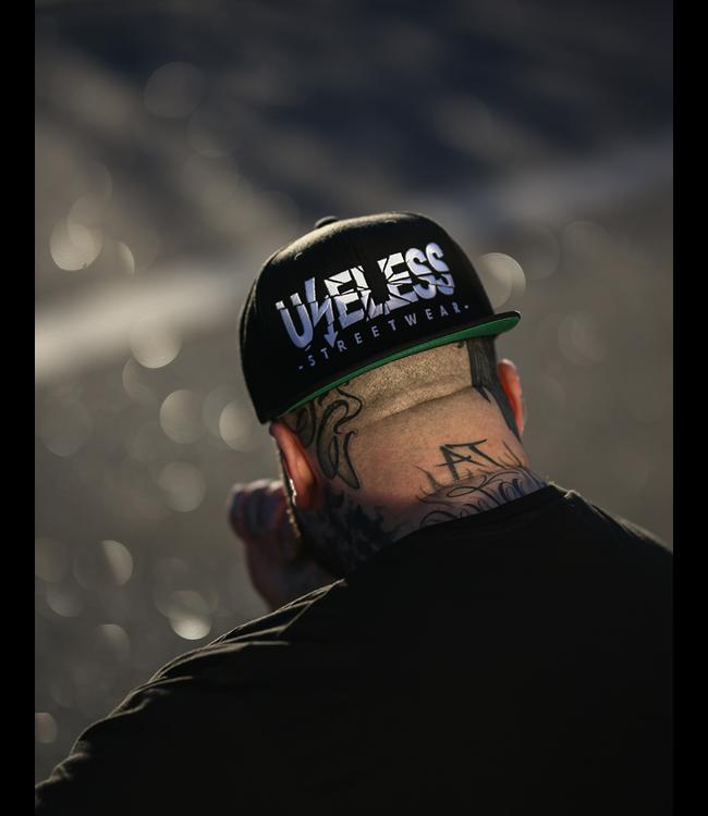 Useless Snapback Cap, schwarz