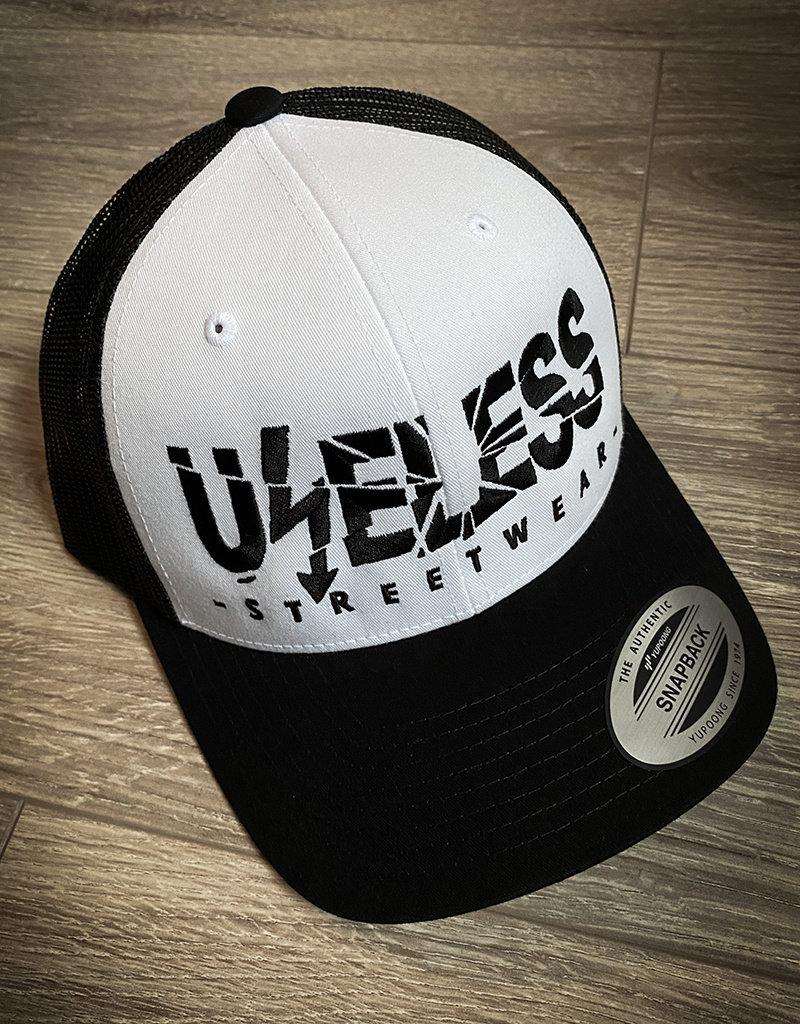 Useless Trucker Cap mit gesticktem Logo