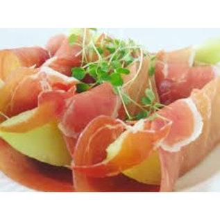 Schaal met 25 rauwe ham met meloen