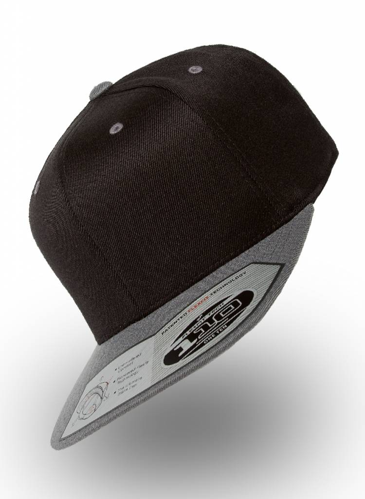 Flexfit by Yupoong Flexfit Snapback 110F Black-Grey