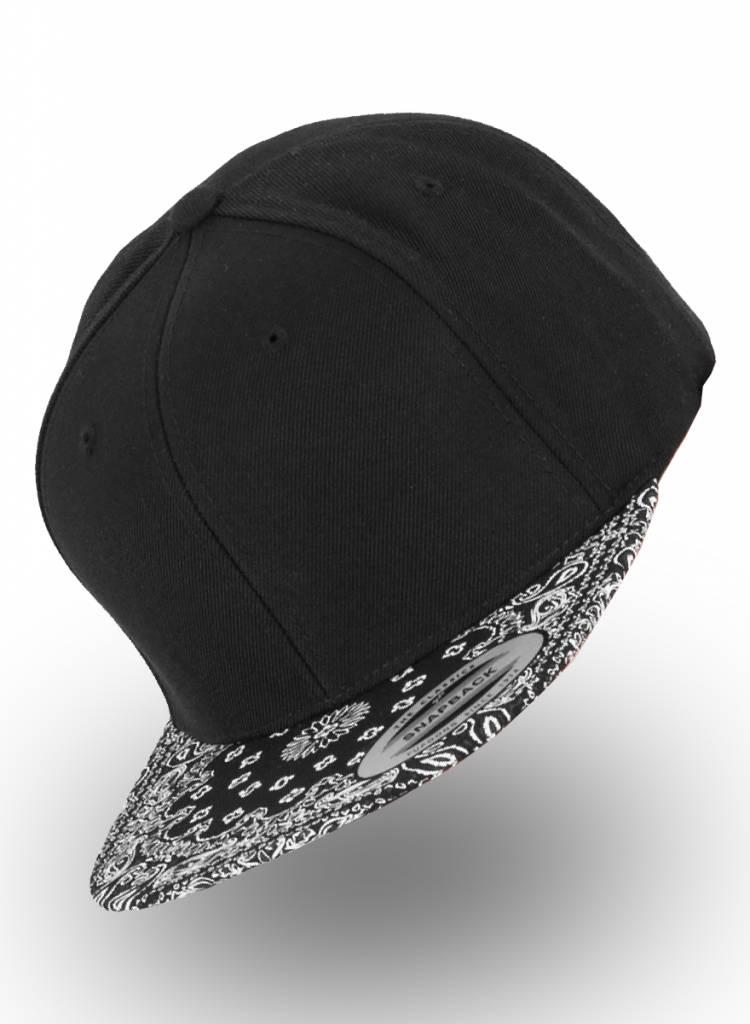 a159c9f4705 Flexfit by Yupoong Flexfit Snapback Black Bandana Black ...