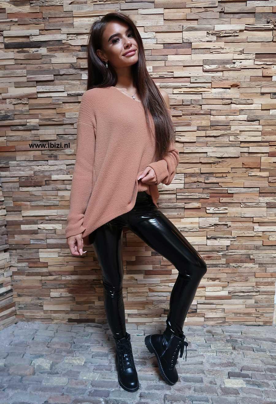 Lak Broek Dames Zwart - Outfit