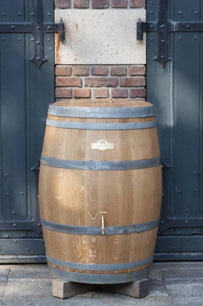 houten regenton van wijnvat gemaakt