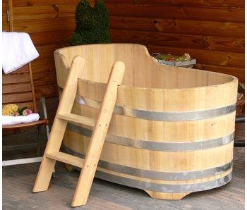 Luxurious oval bathtub medium