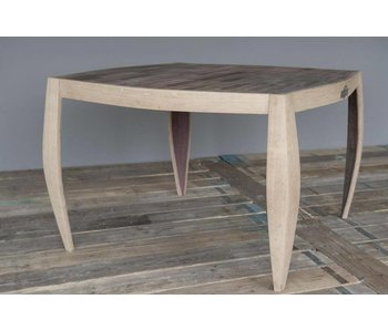 "Table ""Chardonnay"""