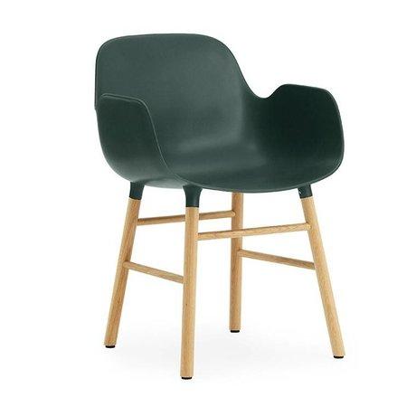 Normann Copenhagen Lehnstuhl Form grün braun Kunststoff holz 56x52x80cm