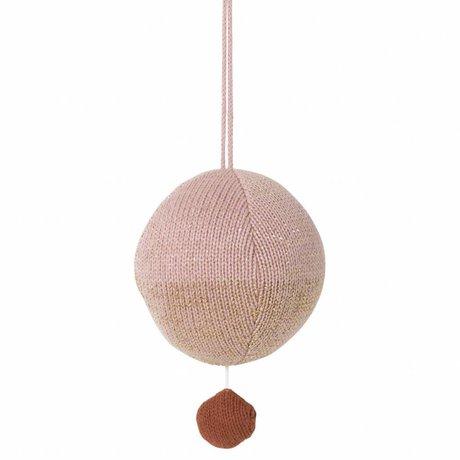 Ferm Living Mobile mit Musik gestrickte Baumwolle Ball rosa Ø10cm