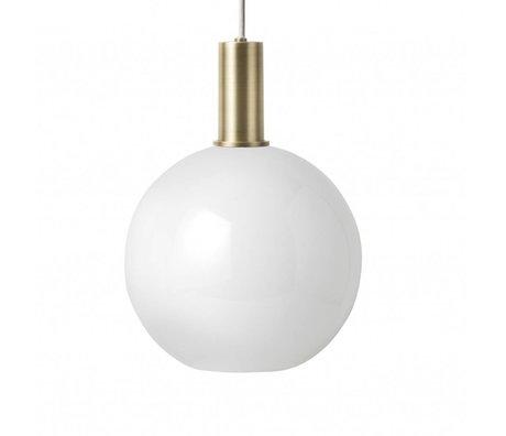 Ferm Living Lámpara colgante esfera de ópalo Vidrio blanco bajo color oro metal dorado