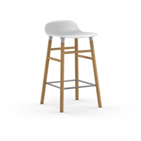 Normann Copenhagen Barhocker Form weiß Kunststoff mit Eichenholz 77x40,8x42,2cm