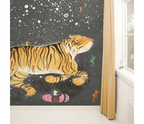Kek Amsterdam Wallpaper Smiling Tiger Multi Paperliners 389,6x280cm