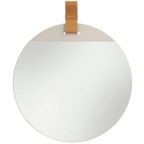 Ferm Living Introduzca espejo con correa de cuero grande 45x52cm