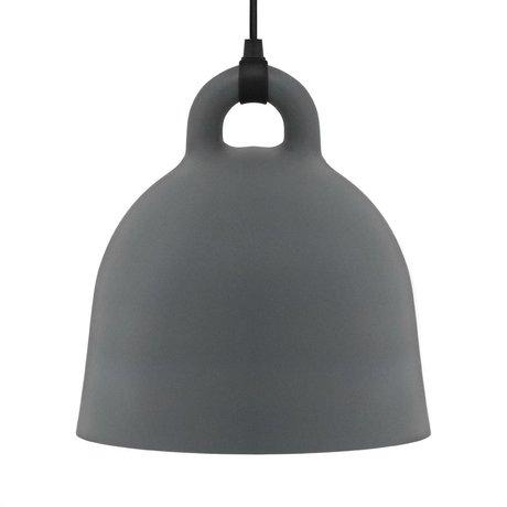 Normann Copenhagen Lámpara colgante campana de aluminio gris L Ø55x57cm