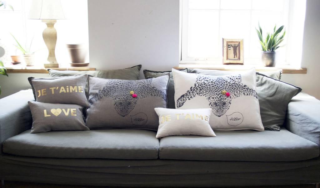 ATSUYO ET AKIKO love letter cushion coconut + gold foil