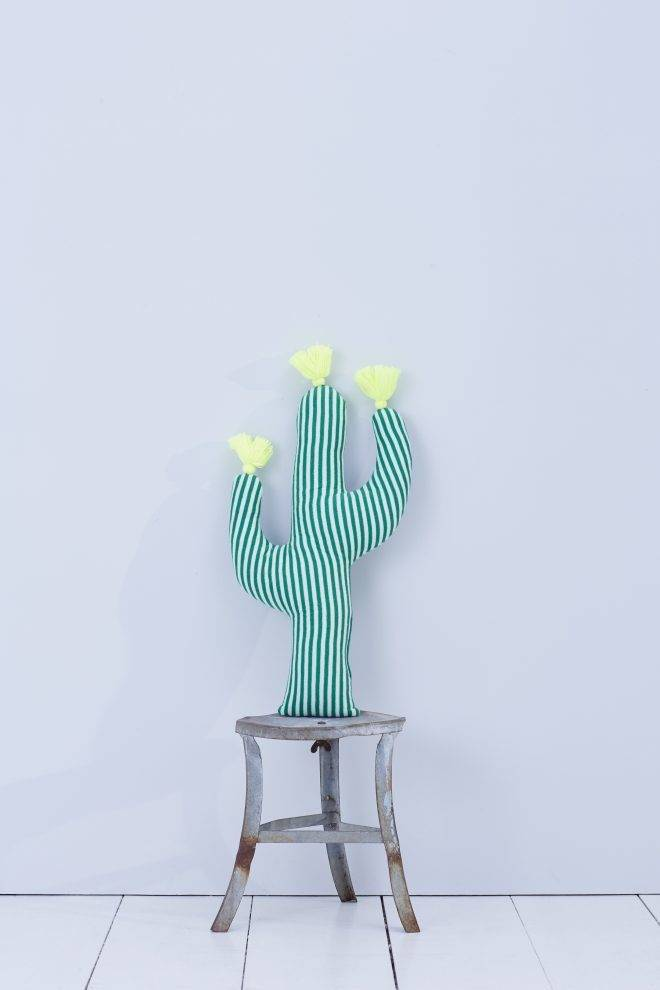 MERIMERI Knitted cactus cushion