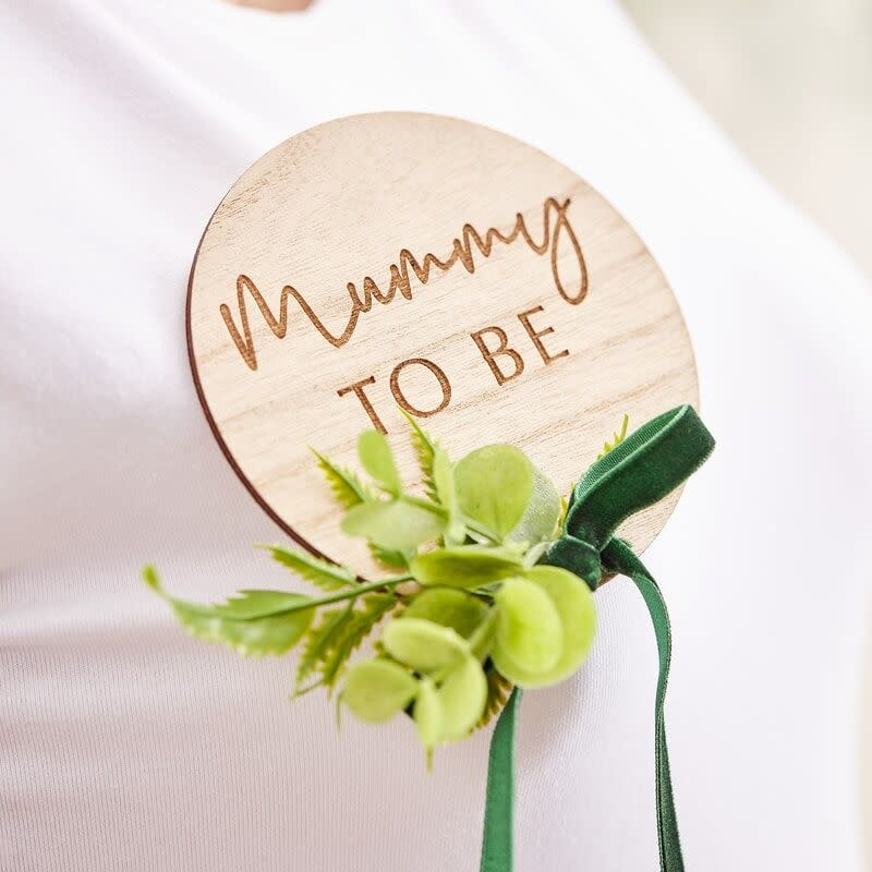 GINGERRAY WOODEN MUMMY TO BE BABY SHOWER BADGE
