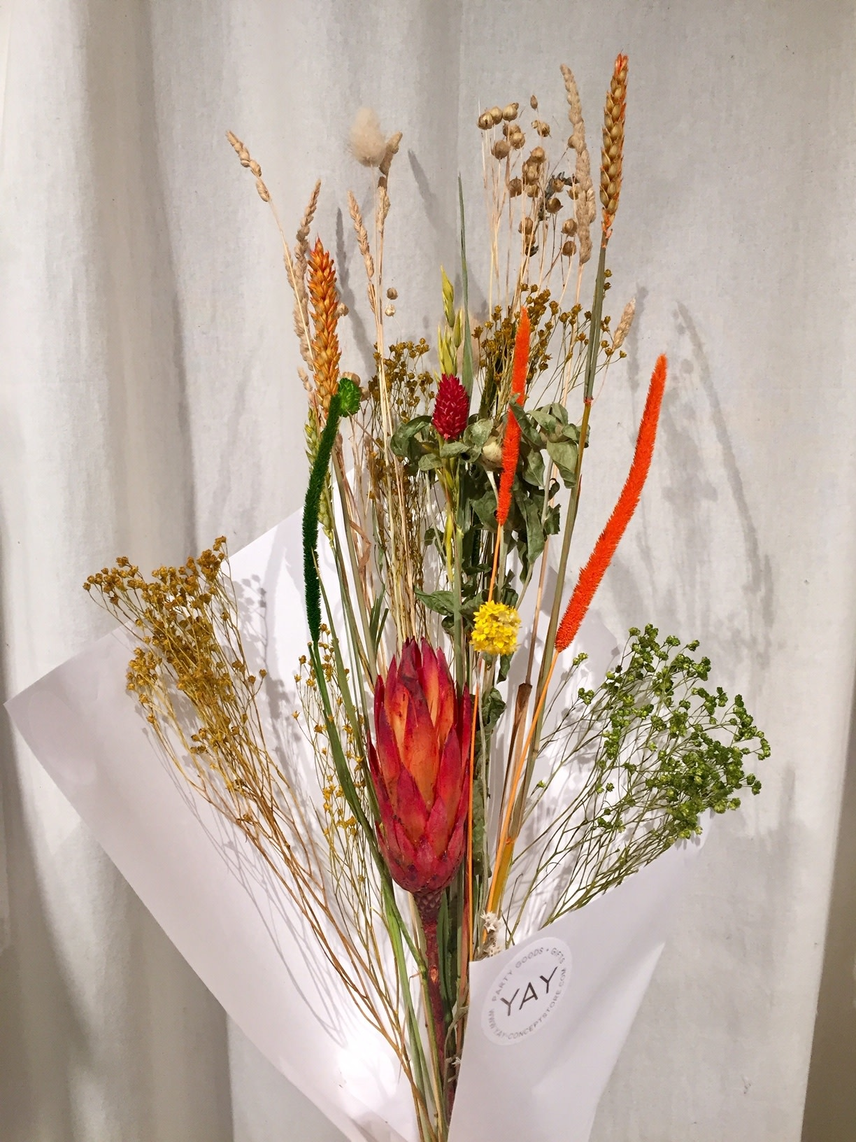YAY Medium dried flowers bouquet carrot