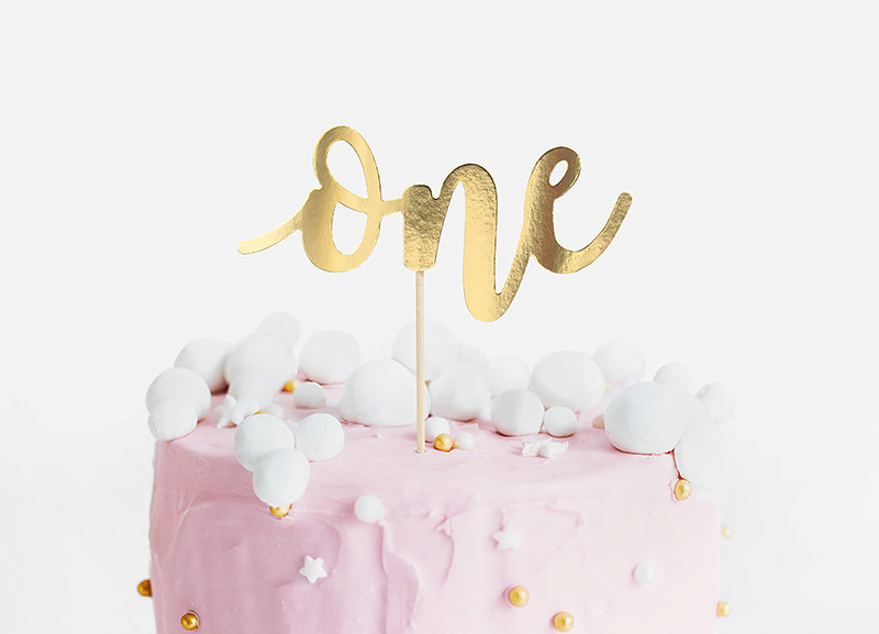 PD Cake topper One, gold, 19cm
