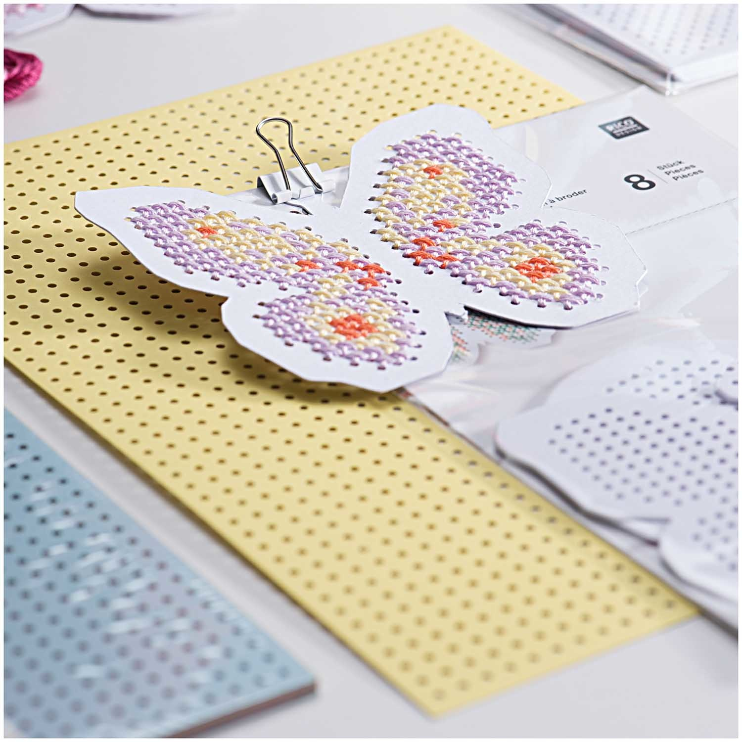Rico NAY EMBROIDERY BOARD, SPRING 8 PCS