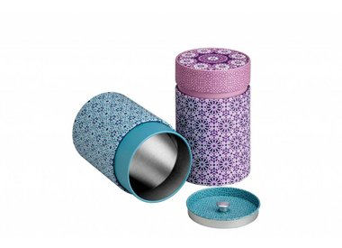 Tins and other accessories