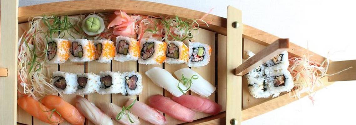 Tokyo Kitchen - sushi boat