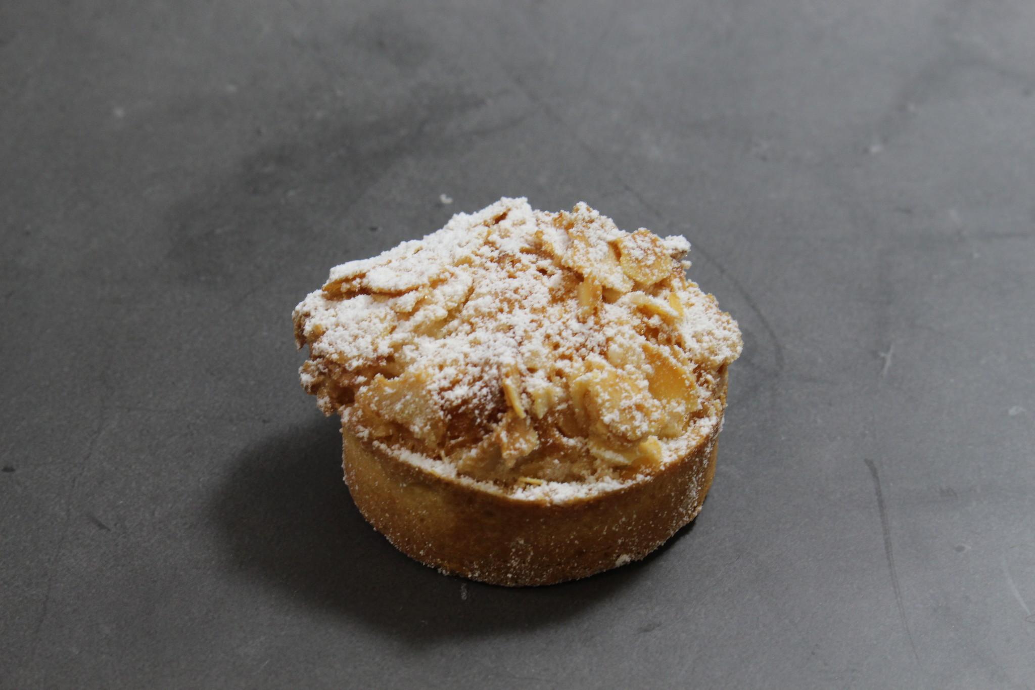 Mini AmandelFramboos taartje 2143356